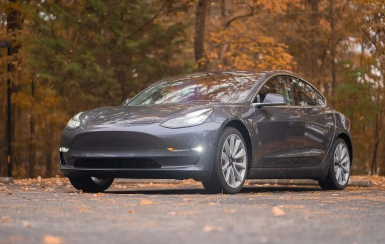 Tesla Model 3 driver caught stealing electricity from police.